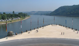 Mosel to the left, Rhine to the right